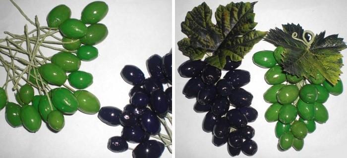 Грозди винограда из желудей