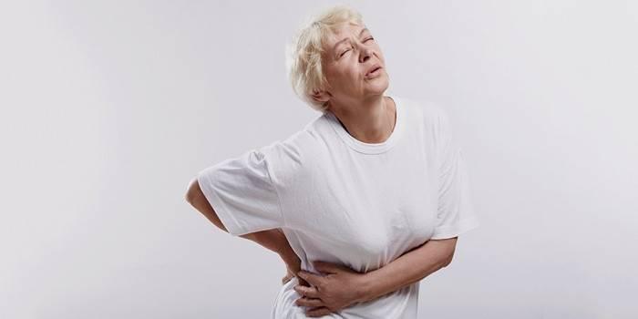 У бабушки сильно болит бок