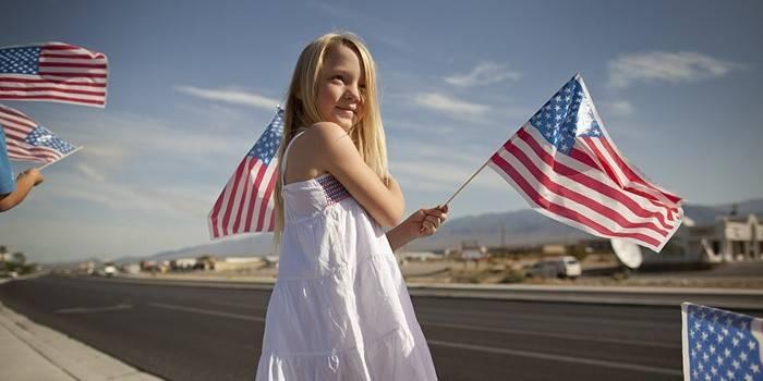 Иностранная девочка