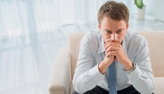 Тянет низ живота у мужчины — причины