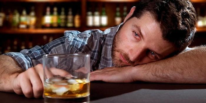 Влияние алкоголя на организм человека - механизм действия этилового спирта и пагубные последствия