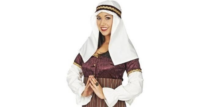 Девушка в арабском костюме
