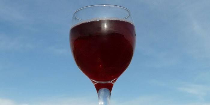 Вино из терна с изюмом