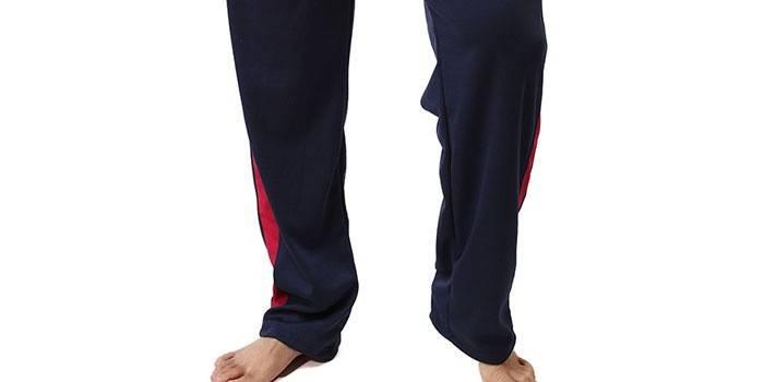 Длинные спортивные штаны