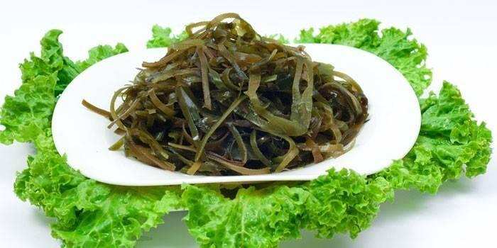 Салат из морской капусты с корейскими специями