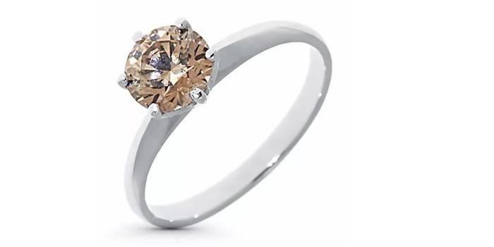 Кольцо из белого золота с крупным бриллиантом от ЭПЛ Якутские бриллианты