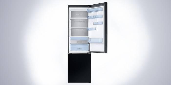 Черный холодильник Samsung RB37K63412C/WT с инверторным компрессором