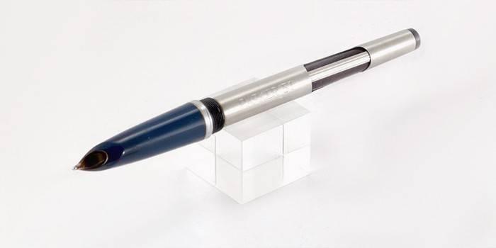 Перьевая ручка с пипеточной системой заправки