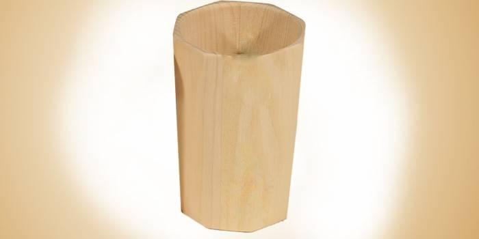 Граненый стакан из кедра